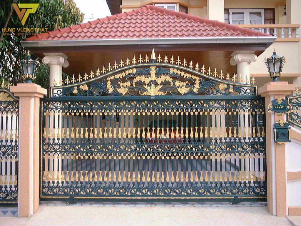 Cổng ngôi nhà