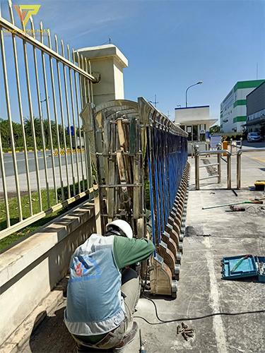 Sửa chữa cổng xếp