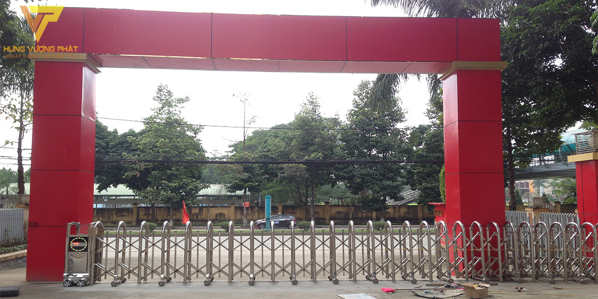 Lắp cổng xếp cho nhà khách tây bắc