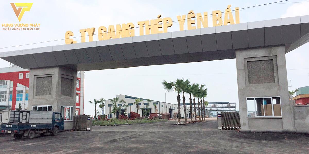 Lắp đặt cổng xếp nhà máy gang thép Yên Bái