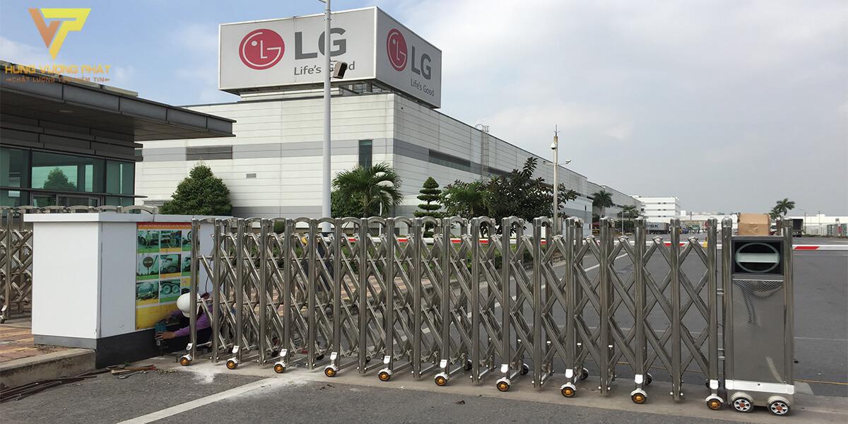 Lắp cổng xếp cho công ty LG Hải Phòng