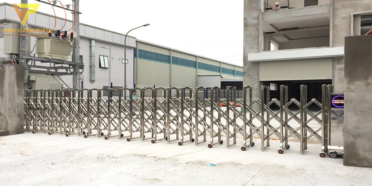 Lắp cổng xếp cho Nhà máy cơ khí việt nam - hưng yên