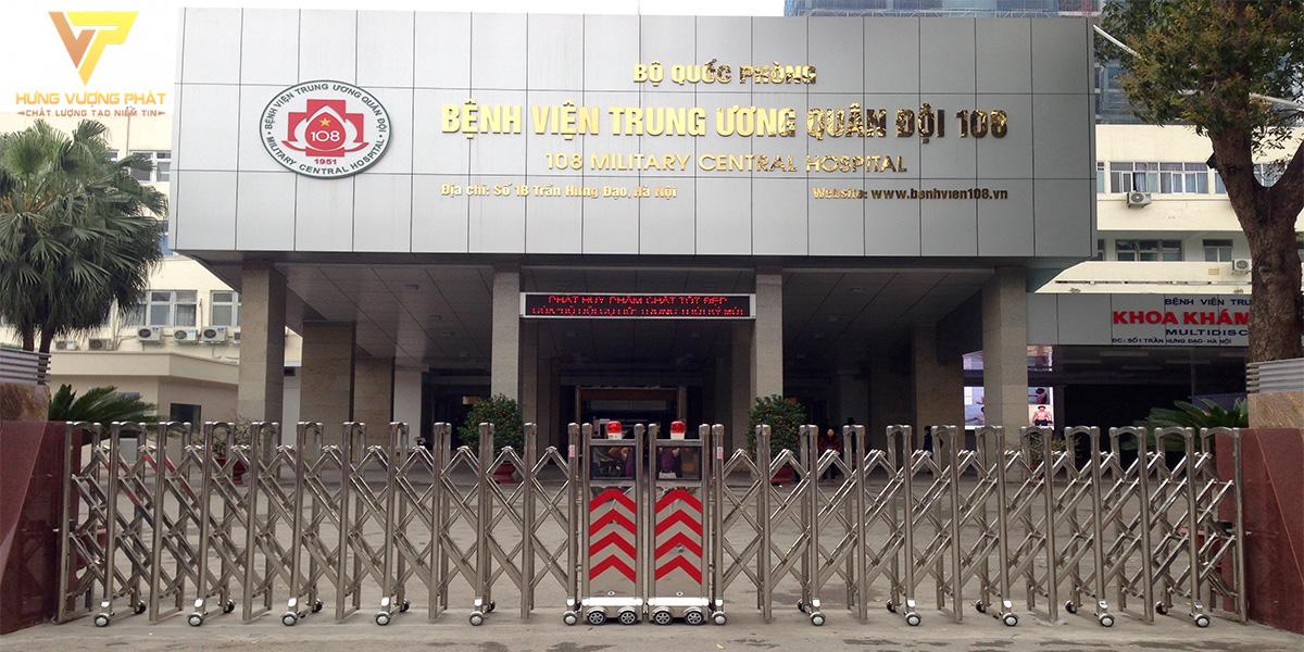 Lắp đặt cổng xếp tự động bệnh viện 108