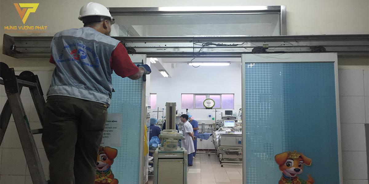 Sửa chữa cửa tự động bệnh viện Việt Đức