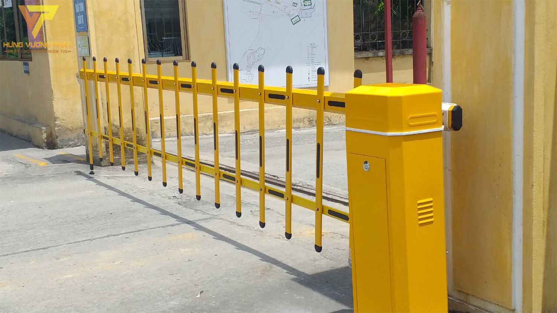 Thanh rào chắn barie màu vàng