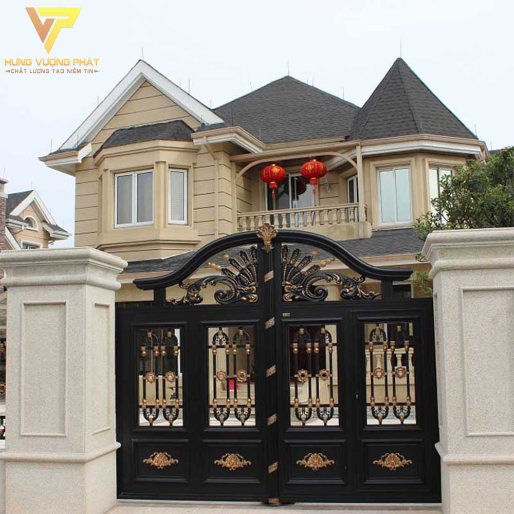 Hình ảnh chiếc cổng nhà và mái nhà