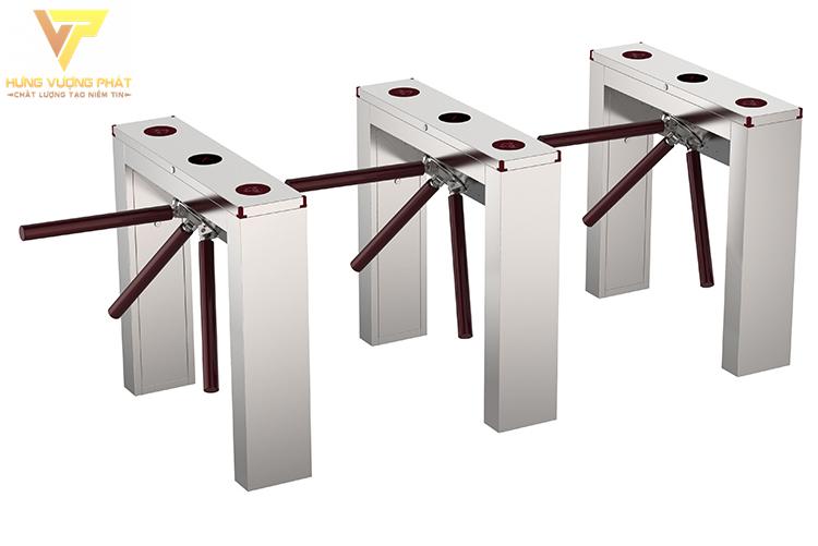 3 cái cổng xoay 3 càng