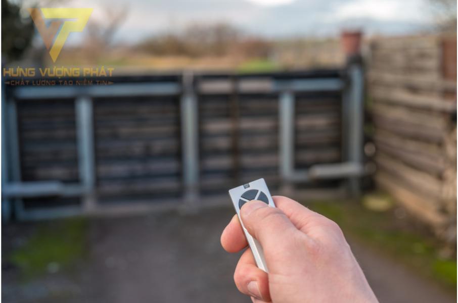 Cổng tự động với thiết bị điều khiển từ xa mang đến sự an toàn cho người sủ dụng