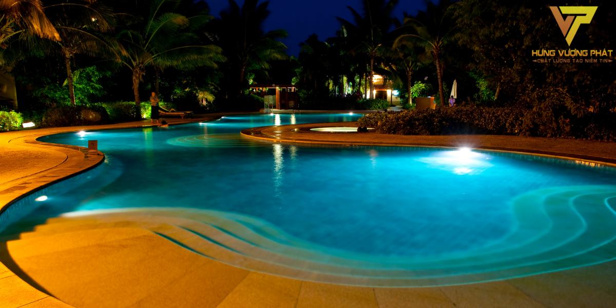 Đèn led bể bơi cần có khả năng chống nước cao