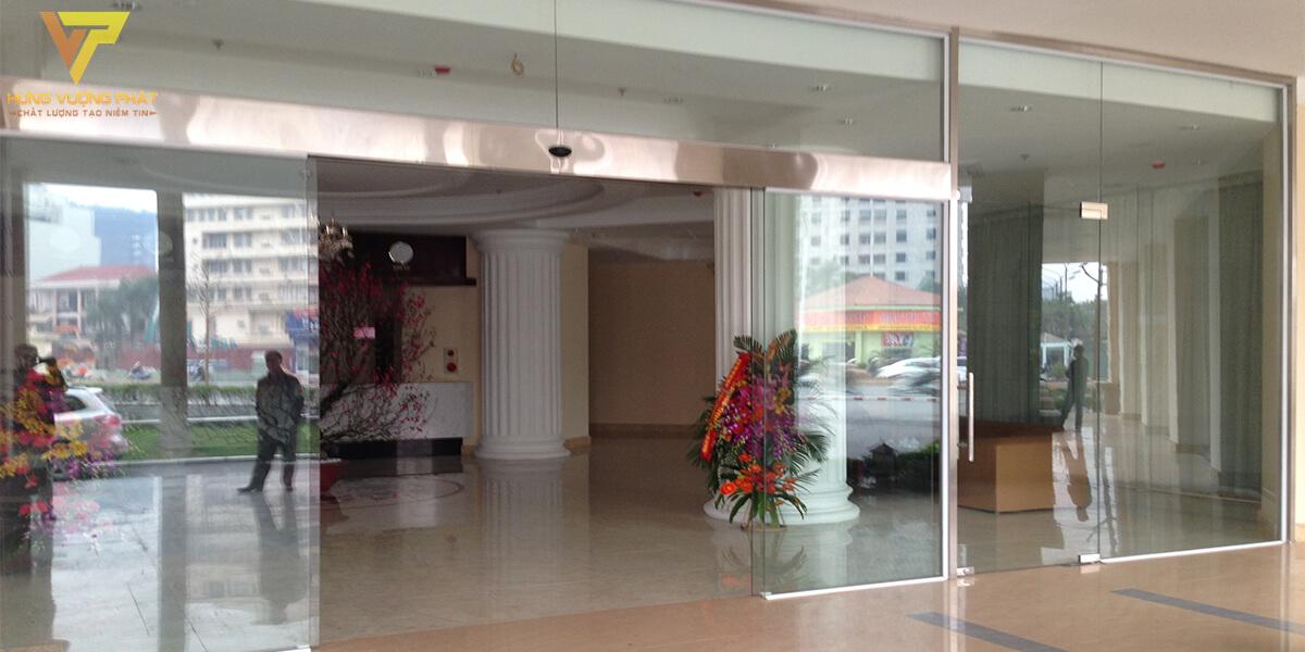 Lắp cửa tự động khách sạn hanoisky 169 trường chinh