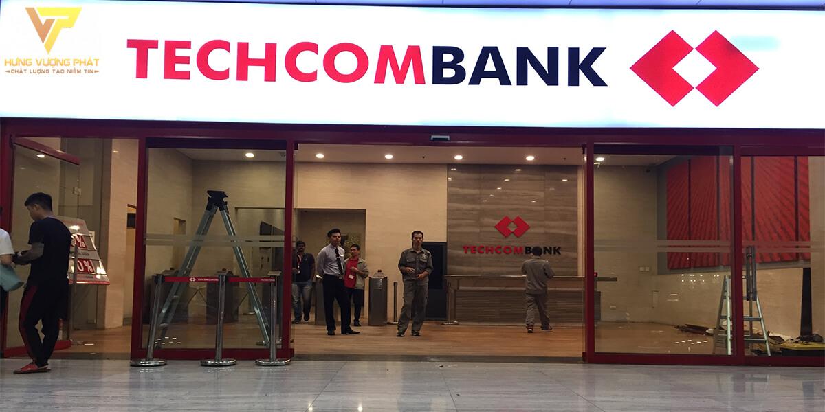 Lắp đặt cửa tự động cho ngân hàng Techcombank 191 Bà Triệu, Hà Nội