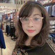 Bà Quỳnh Anh giám đốc công ty thời trang Nhật Anh Tuyên Quang (khách hàng sử dụng cửa kính tự động)